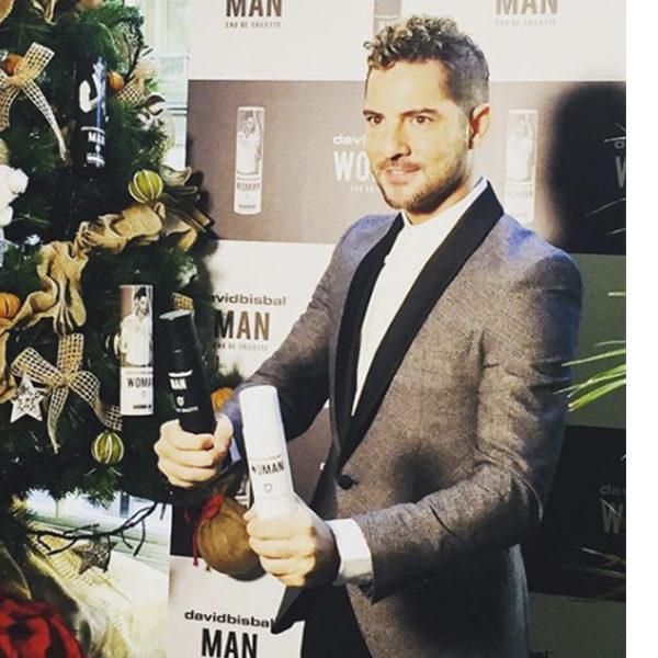 David Bisbal ha presentado sus nuevas fragancias vestido con un look de Félix Ramiro